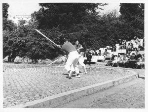 Demonstração de jogo do pau da Tuna Cepanense